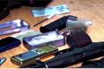 3 khẩu súng trong xe của tội phạm bị truy nã