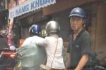 Video: Ngồi trong ô tô quay clip móc túi giữa phố Hà Nội đăng lên facebook