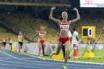 Xem Vũ Thị Ly bỏ xa đối thủ trên đường chạy 800m