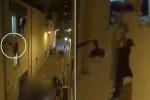 Clip: Người hùng lạ mặt cứu bà bầu lơ lửng ngoài cửa sổ nhà hát Bataclan