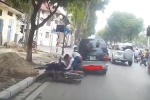 Xe máy chạy ngược chiều gặp xe chạy lấn làn và cái kết được báo trước