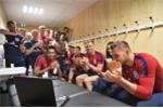 Sao tuyển Anh chúc mừng đàn em vô địch U20 World Cup qua laptop