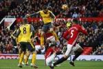 Giroud ghi bàn phút 89, Arsenal may mắn cầm hòa Man Utd