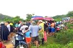 Thi thể người đàn ông nhiều vết chém trên đồi chè ở Nghệ An