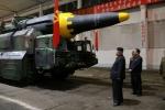 Ông Kim Jong-un đã xem kế hoạch tấn công Guam của lực lượng tên lửa Triều Tiên