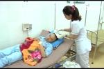 Bác sỹ bị người nhà bệnh nhân đánh bất tỉnh, khâu 7 mũi