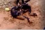 Nữ sinh đánh nhau dã man trên vũng bùn ở Quảng Nam