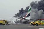 Máy bay bốc cháy trên đường băng. Ảnh: RT