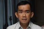 Ca sĩ Minh Thuận bật khóc trên giường bệnh khi gặp bố