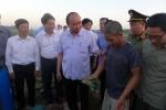 Thủ tướng cùng đoàn công tác đi kiểm tra tình hình an toàn thực phẩm.