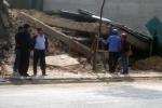 Nhà 3 tầng bất ngờ đổ sập ở Quảng Ninh
