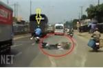 Phẫn nộ xe máy phóng nhanh vượt ẩu, gây tai nạn rồi bỏ chạy trên phố Sài Gòn