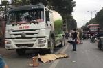 Xe trộn bê tông đâm xe máy giữa Thủ đô, 1 người chết tại chỗ