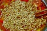 Mỳ tôm: Món ăn nhanh tiềm ẩn hàng loạt nguy cơ 'chết người'