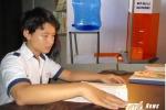 Ba học sinh cấp 2 xứ Huế chế tạo máy báo lũ tự động