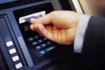 Làm thế nào để tránh 'tắc tiền' khi dùng thẻ ATM dịp Tết