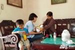 Hai bé trai bị bỏ rơi ở Sài Gòn: Người mẹ đến nhận lại con vì quá nhớ