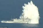Video: Sức chịu đựng không tưởng của chiến hạm lão làng Mỹ trước 'mưa bom bão đạn'
