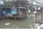 Mưa nhỏ, nhiều tuyến phố ở Sài Gòn vẫn ngập lụt