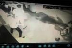 Camera ghi lại hình ảnh thiếu nữ bị 20 thanh niên truy sát, cắt tai ở Sài Gòn