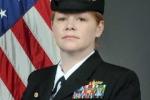 Nữ hạm trưởng chỉ huy tàu chiến Mỹ áp sát đảo Tri Tôn của Việt Nam là ai?