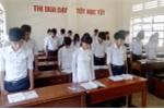 Học sinh tưởng niệm liệt sĩ chiến tranh biên giới