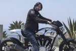 Ngắm siêu môtô giá 2 tỷ đồng của sao phim Ma Trận