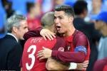 Ronaldo chỉ gặp may, chưa chắc vượt Messi giành Bóng vàng