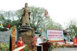 Cô gái quê mùa thành người phụ nữ quyền lực nhất sử Việt