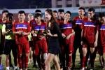 Nhếch nhác cảnh trao hồng sâm cho U20 Việt Nam: Nhà tài trợ bất ngờ vì được lên báo