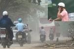 Video: Nín thở đi qua con đường 'bão bụi' dày đặc chưa từng thấy giữa Thủ đô