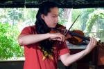 Nghệ sỹ violin Anh Tú đưa 'Như có Bác Hồ trong ngày vui đại thắng' đến với bạn trẻ quốc tế