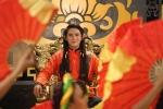 Hinh anh Huynh Lap he lo dan dien vien 'khung' trong trailer 'Tam Cam: Chuyen Huynh Lap ke'