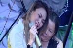 Mỹ Tâm khóc nghẹn khi hát tặng bệnh nhân chấn thương sọ não