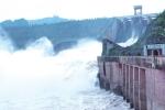 Nền móng nhà máy thuỷ điện Hoà Bình suýt bị sông Đà nhấn chìm ra sao?