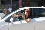 Nữ tài xế liên tục chống đối, bỏ chạy khi bị CSGT dừng xe