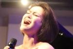 Hải Yến Idol giữ lời hứa với fan, thực hiện đêm nhạc tại Huế