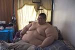 Người đàn ông béo nhất thế giới tự đi sau 6 năm nằm lỳ trên giường