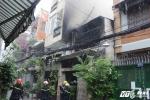 Căn nhà 2 tầng cháy rực lửa giữa trưa ở Sài Gòn