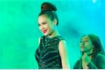 Giang Hồng Ngọc đẹp rực rỡ, nổi bật với jumpsuit xanh lá