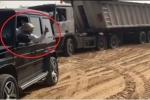 Thái tử Dubai cứu xe tải bị lún cát giữa sa mạc gây 'bão' mạng