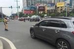 Hàng loạt xe biển trắng gắn 'bùa hộ mệnh' bất ngờ khi bị CSGT 'hỏi thăm'
