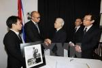 Lãnh đạo Đảng, Nhà nước, Chính phủ đặt vòng hoa viếng lãnh tụ Cuba Fidel Castro