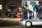 Bắt nghi phạm đánh bom xe bus chở đội Dortmund