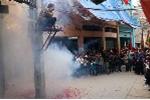Khởi tố 2 kẻ đốt pháo trái phép dịp Tết Đinh Dậu