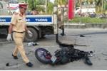 Xe tải tông trực diện xe máy, kéo lê đôi nam nữ 30m