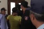 Video: Người hâm mộ HAGL định tấn công trọng tài trong đường hầm