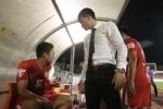 Công Vinh trừ lương, dọa đuổi cầu thủ phản ứng HLV trưởng