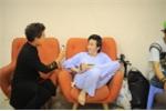 "Hinh anh Hoai Linh lam ""chuot bach"" cho Thanh Bach thu camera 5"