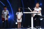 Hinh anh Truc tiep Vietnam Idol Kids 2017 tap 3: Co be khiem thi khien Isaac lang nguoi 3